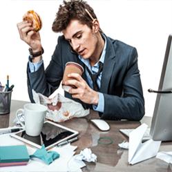 Quelles sont les 12 habitudes les plus asociales de vos collègues ?
