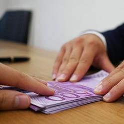 Demander un prêt: la différence entre un particulier et un travailleur indépendant