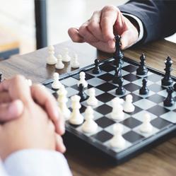 Jouer aux échecs permet de passer de bons moments sur son lieu de travail