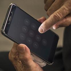Votre employeur peut-il contrôler tout ce que vous faites avec votre smartphone ?