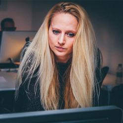 Quel est le salaire d'une consultante en ressources humaines ?